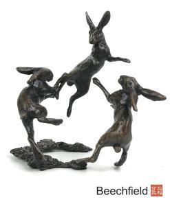2079 Three Hares Dancing Bronze Figurine Figure Miniature Butler Peach Beechfield Bonsai